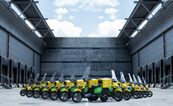 Acto de entrega 100 motos eléctricas Scutum para CORREOS